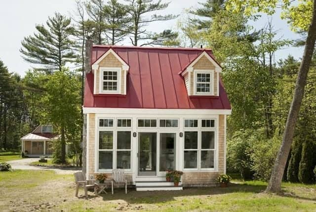what is a granny flat red roof